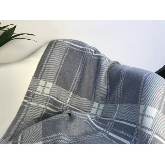 Grey plaid by Géraldine...