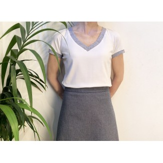 White top with V-neck Shirley